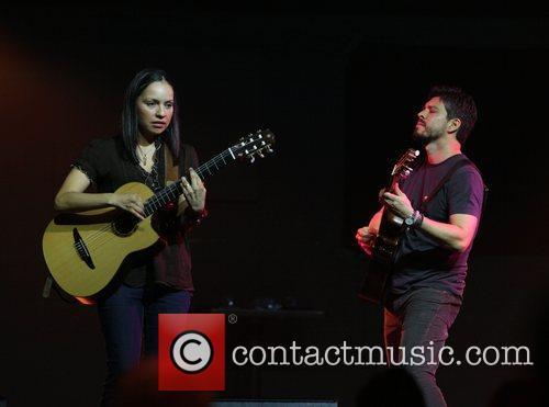Rodrigo Y Gabriela 9