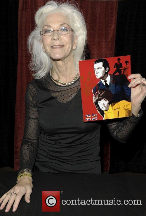 Linda Thorson  Wizard World Toronto Comic Con...