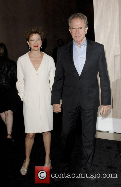 Annette Bening and Warren Beatty 1