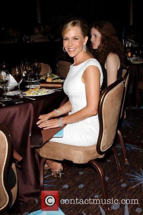 Julie Benz 4