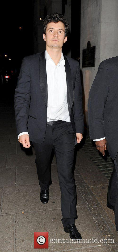 Orlando Bloom leaves the Worseley restaurant.