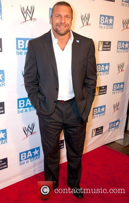 http://www.contactmusic.com/pics/le/wwe_annual_summerslam_kickoff_party_2_120811/paul-michael-levesque_3469289.jpg