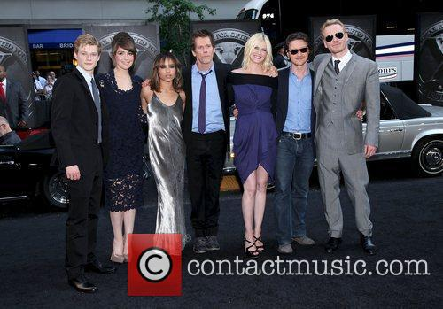 Lucas Till, James Mcavoy, January Jones, Kevin Bacon, Michael Fassbender, Rose Byrne and Zoe Kravitz 3