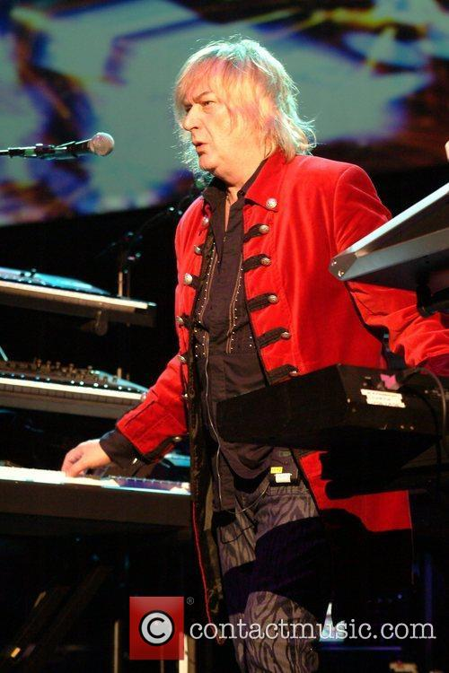 Geoff Downes Yes perform live at the HMV...