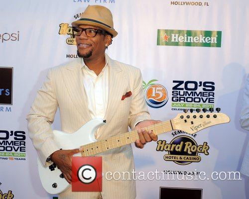 D.L. Hughley  Zo's Summer Groove Hard Rock...