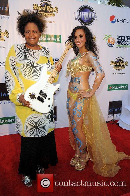Roz G.  Zo's Summer Groove Hard Rock...