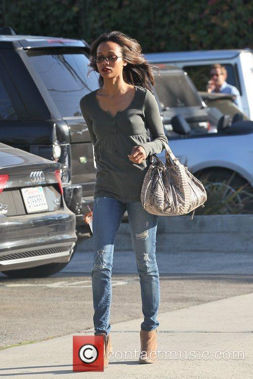 zoe saldana leaving a hair salon in 5749199