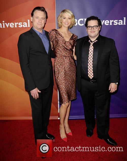 Bill Pullman, Jenna Elfman and Josh Gad