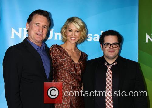 Bill Pullman, Jenna Elfman and Josh Gad 2