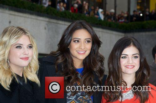 Ashley Benson, Shay Mitchell, Lucy Hale and Rockefeller Center 6