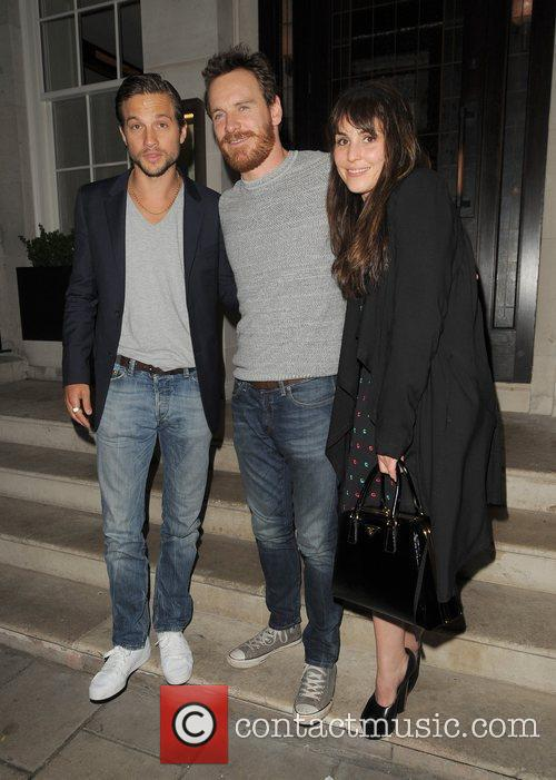 Logan Marshall-green, Michael Fassbender and Noomi Rapace 7