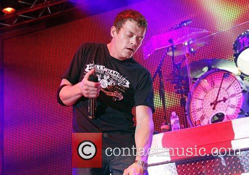 Brad Arnold and 3 Doors Down 9
