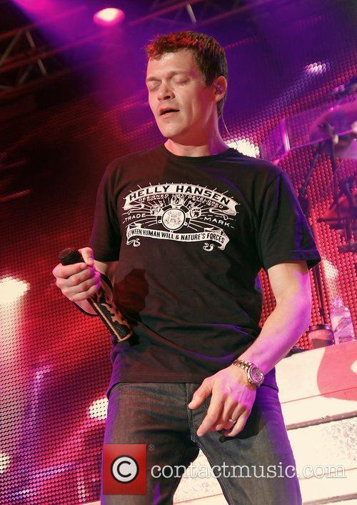 Brad Arnold and 3 Doors Down 11
