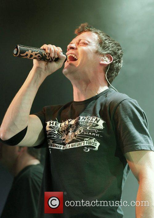 Brad Arnold and 3 Doors Down 15
