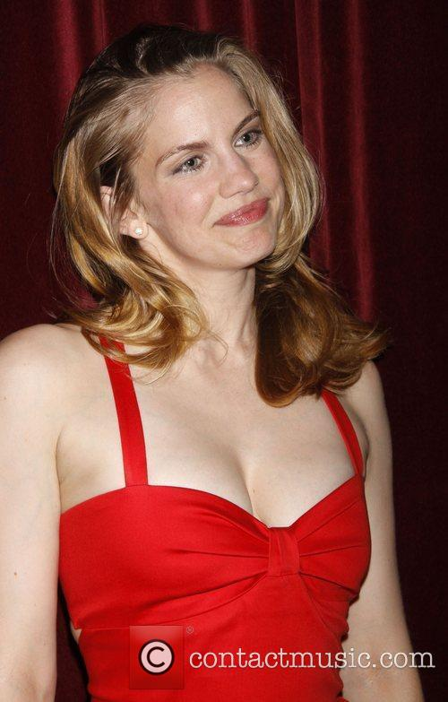 Anna Chlumsky and Tommy Hilfiger 4