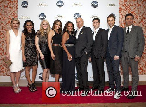 Rachael Taylor, Samantha Logan, Helena Mattsson, Mercedes Masohn, Vanessa Williams, Terry O'quinn, Dave Annable, Robert Buckley and Erik Palladino 3