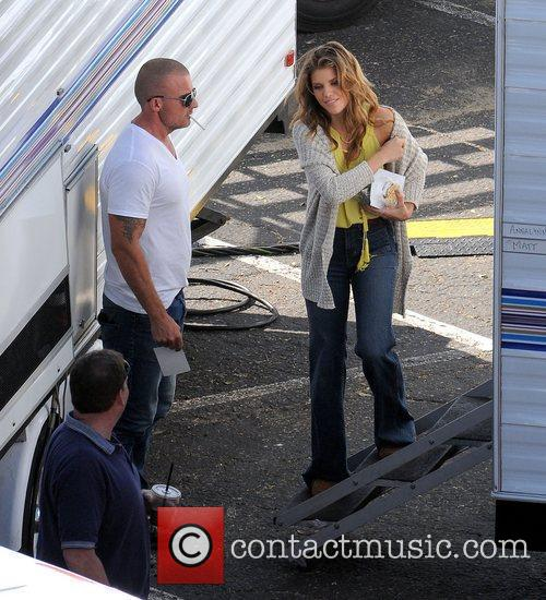 Annalynne Mccord and Dominic Purcell 2