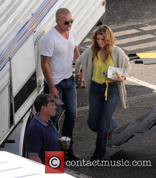 Annalynne Mccord and Dominic Purcell 5