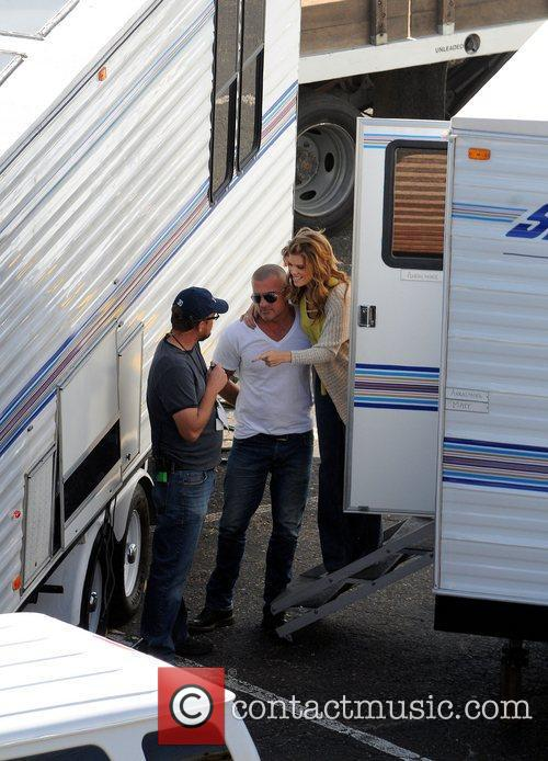 Annalynne Mccord and Dominic Purcell 7