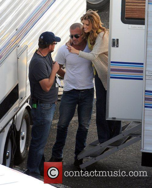 Annalynne Mccord and Dominic Purcell 8