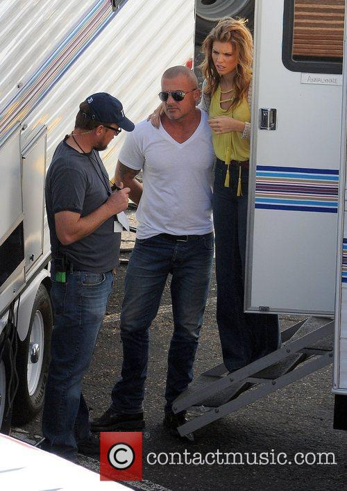 Annalynne Mccord and Dominic Purcell 1