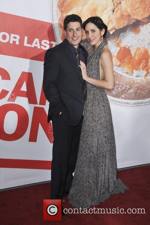Jason Biggs, Jenny Mollen and Grauman's Chinese Theatre 2