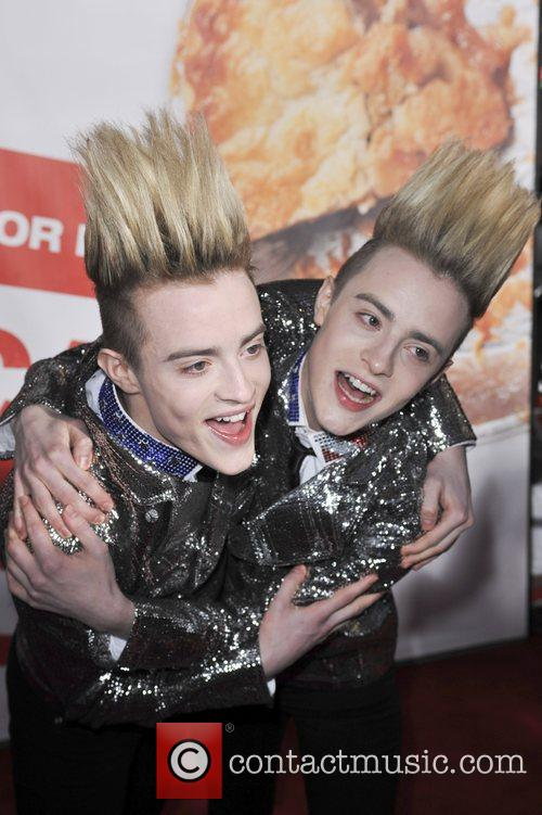 Jedward and Grauman's Chinese Theatre 4