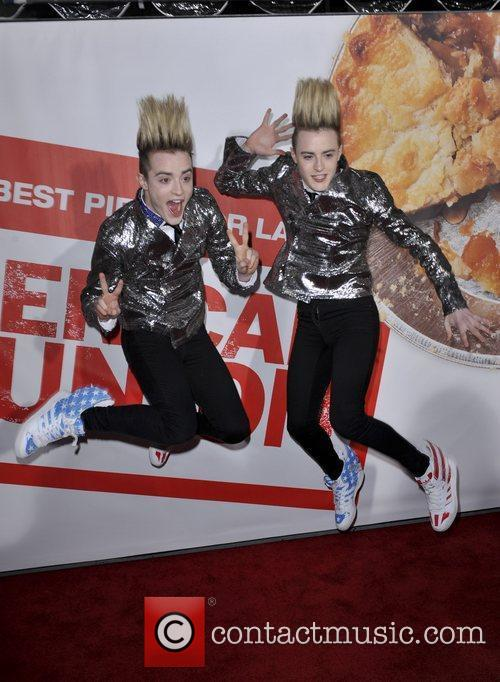 Jedward and Grauman's Chinese Theatre 1