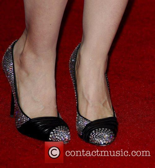 Mena Suvari and Grauman's Chinese Theatre 3