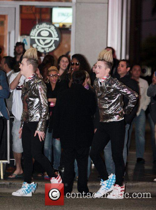 Jedward and Grauman's Chinese Theatre 2