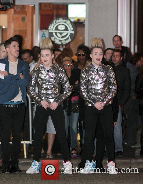 Jedward and Grauman's Chinese Theatre 3