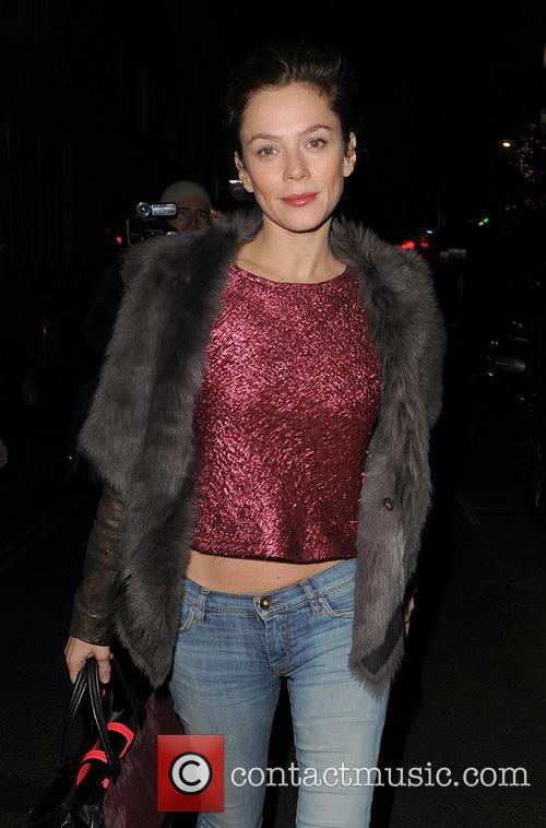 anna friel anna friel leaves the vaudeville 20027939