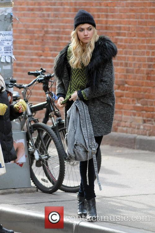 imogen poots filming on location new comedyromance 20035231