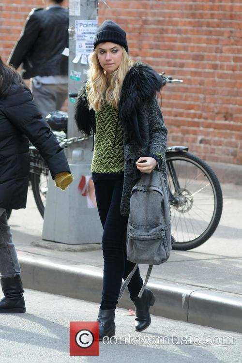 imogen poots filming on location new comedyromance 20035233