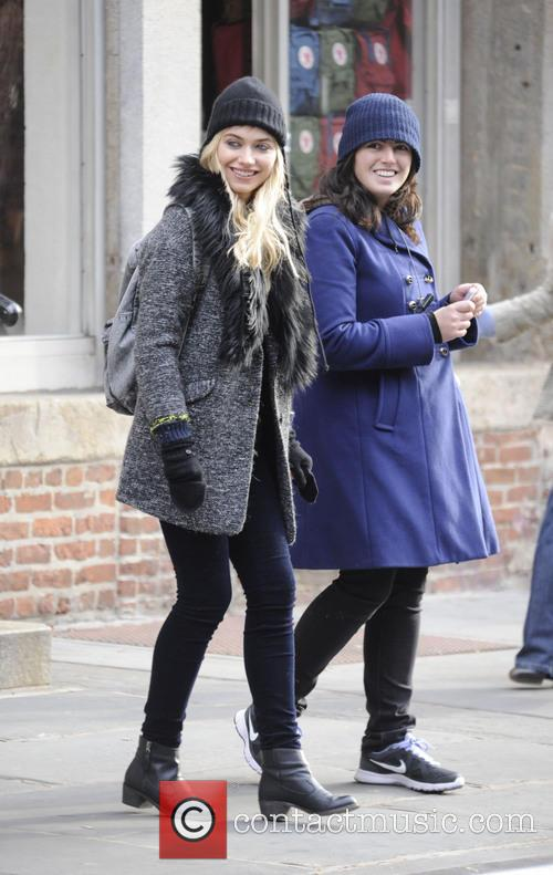 imogen poots filming on location new comedyromance 20035444