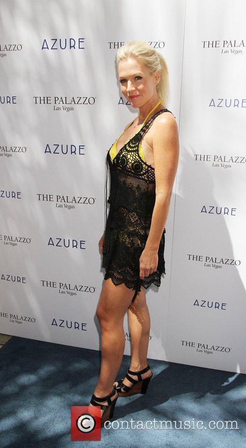 Jennie Garth  Azure Pool At The Palazzo...