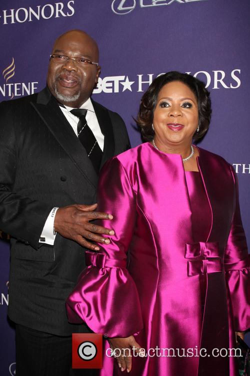 T.D Jakes BET Honors 2013: Red Carpet Presented...