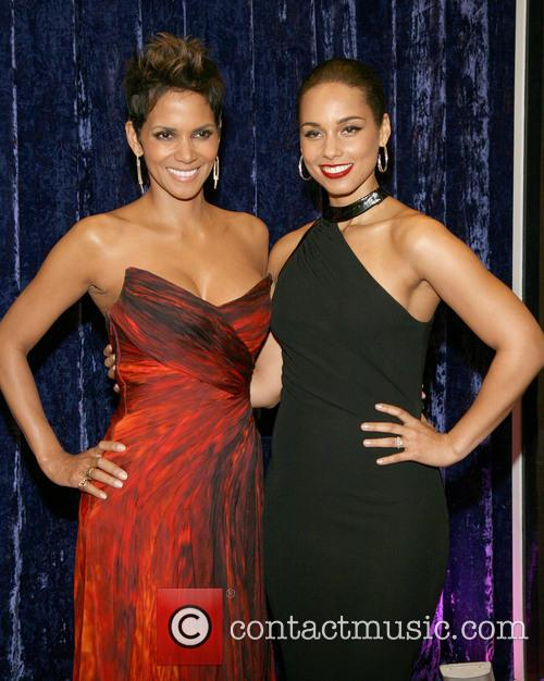 Halle Berry and Alicia Keys 9
