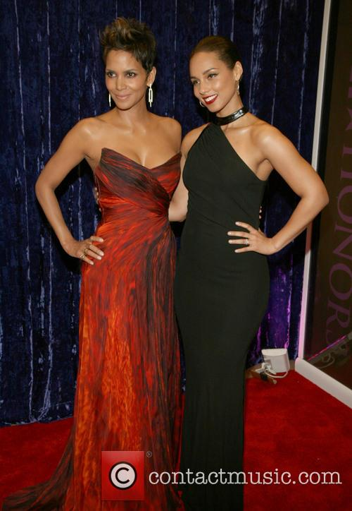 Halle Berry and Alicia Keys 7