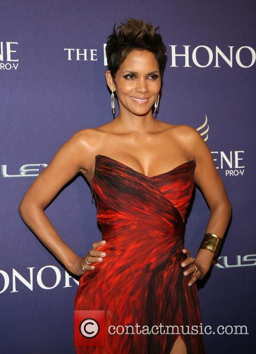 halle berry bet honors 2013 red carpet 20056409