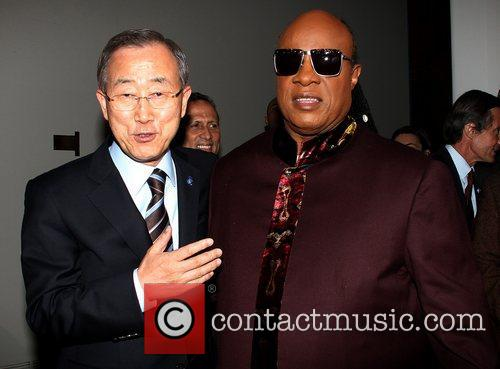 Ban Ki Moon and Stevie Wonder 2