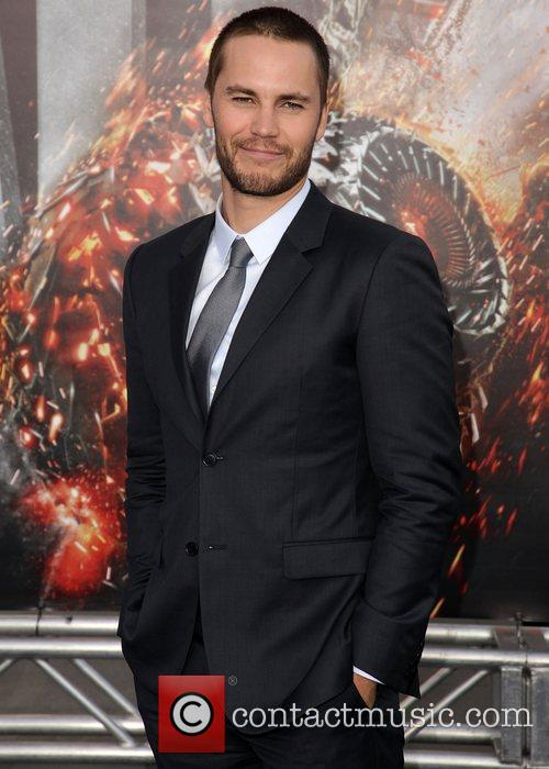 taylor kitsch battleship premiere at the nokia 3873417