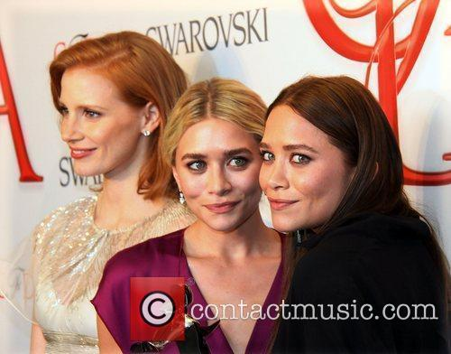 Ashley Olsen, Jessica Chastain and Mary Kate Olsen 2