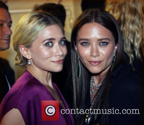 Ashley Olsen and Mary Kate Olsen 5