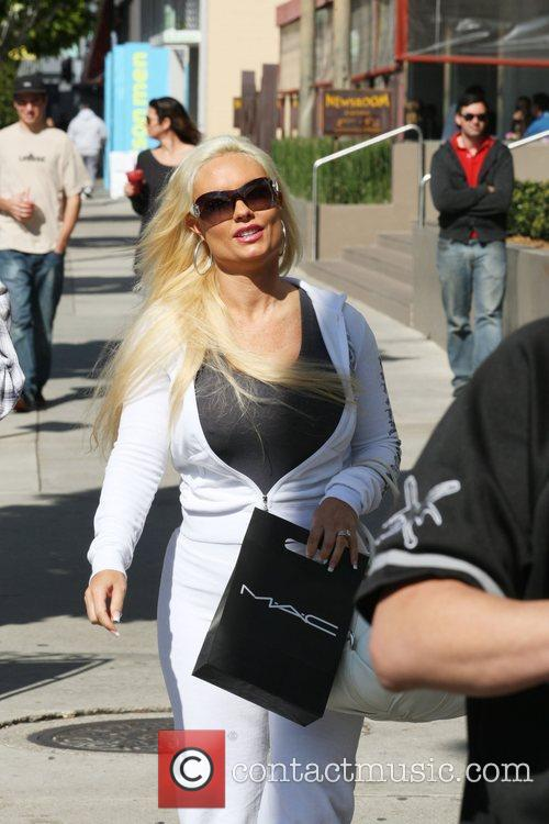 Coco Austin shopping in Beverly Hills Los Angeles,...