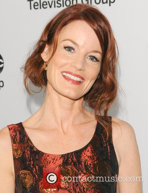 laura leighton pretty little liars disney abc 20052538