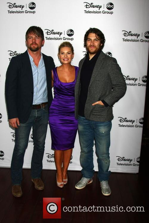 Zachary Knighton, Elisha Cuthbert and Adam Pally 11