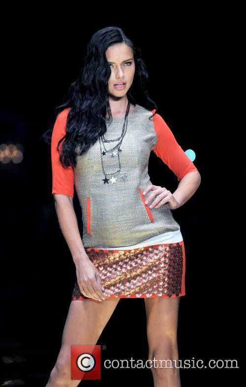 Adriana Lima 2013 Dosso Dossi Fashion Show -...