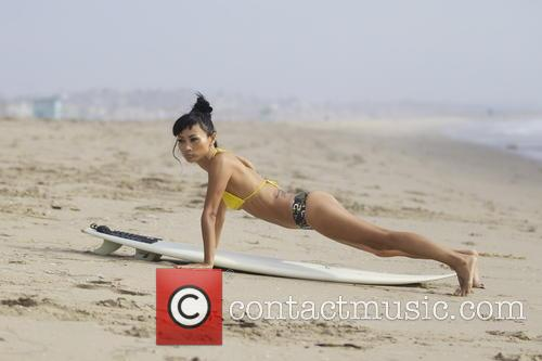 exclusive bai ling bai ling surfing on 20047956