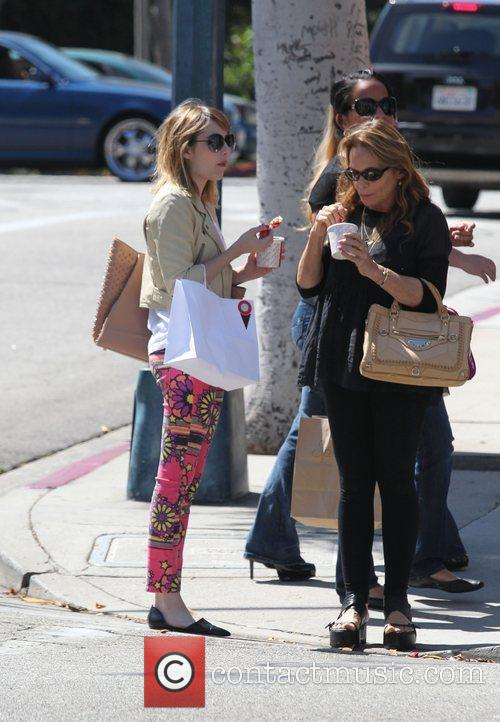 emma roberts and her mother kelly cunningham 3980720